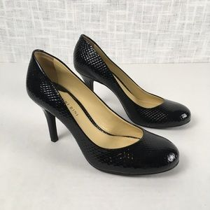Gianni Bini textured leather round-toe pumps, 8.5M